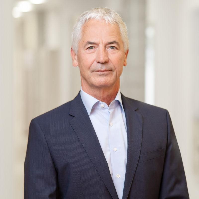 Dr. jur. Matthias Maurer
